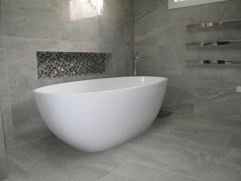 Superbe Tile Bathroom
